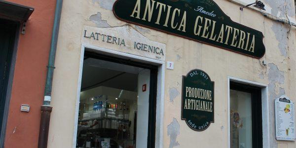 Ice cream parlor in Boccadasse, Genoa