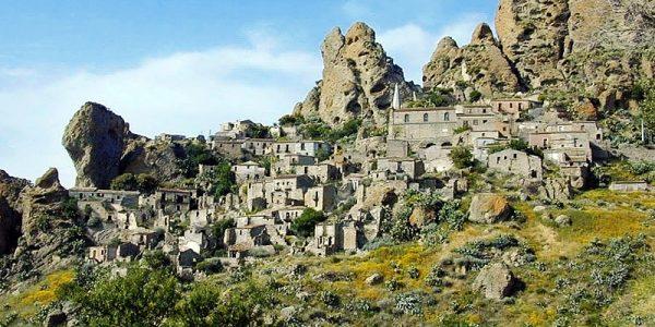 Pentedattilo Ghost Town in Reggio Calabria