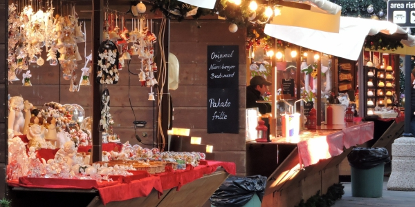 Flea market at Christmas in Verona